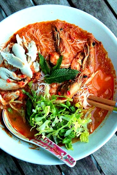 SARAWAK LAKSA ~~ categories of laksa are soup flavor dependent; a serve pushing coconut is a curry laksa and tamarind-based shares are asam laksa. sarawak laksa is neither. it is a variant using both along with shrimp paste, chicken, and prawns. gateway: this post's link + https://theboywhoatetheworld.com/2015/11/17/theboywhoatetheworld-cooks-sarawak-laksa/ [Peranakan Cuisine, Malaysia, Borneo] [Emily Loo] [masterchef au contest] [tenplay] [asia pacific noodle dish, chicken, shrimp prawn]