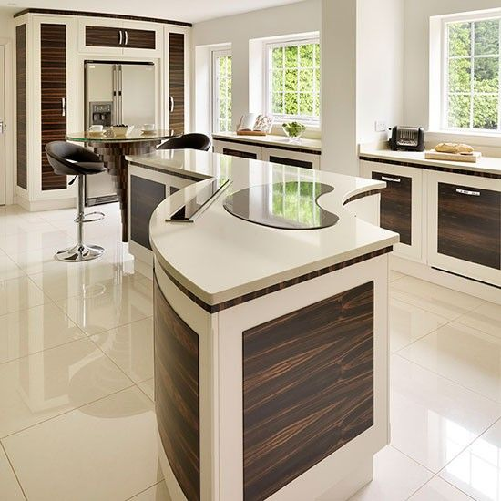 The 25+ best Curved kitchen island ideas on Pinterest | Round kitchen island,  Kitchen floor plans and Kitchen layout