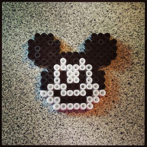 Mickey Mouse, Hama