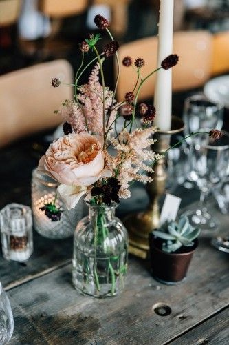 Mix of flowers and potted items – Flowers