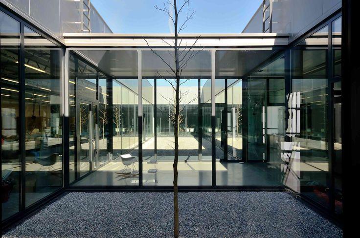 #modernarchitecture yeti, arch Jacek Krych prawie zima, yeti.krakow.pl, jacekkrych.pl