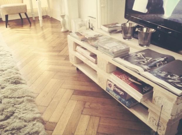 18 best images about meine pins on pinterest tv rack tvs and euro pallets. Black Bedroom Furniture Sets. Home Design Ideas