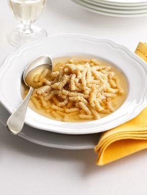 Piatto di passatelli in brodo, piatto regionale Marche e Romagna