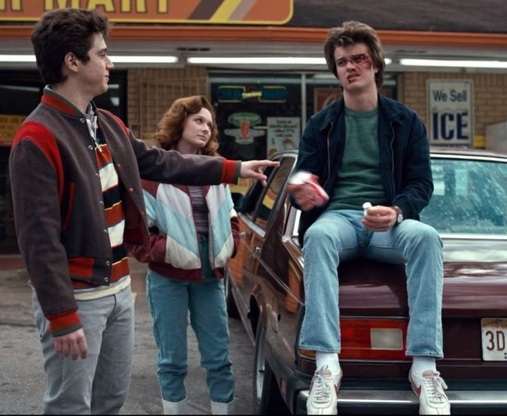 The 10 most stylish moments of Netflix's Stranger Things, #moments #Netflixs #st…
