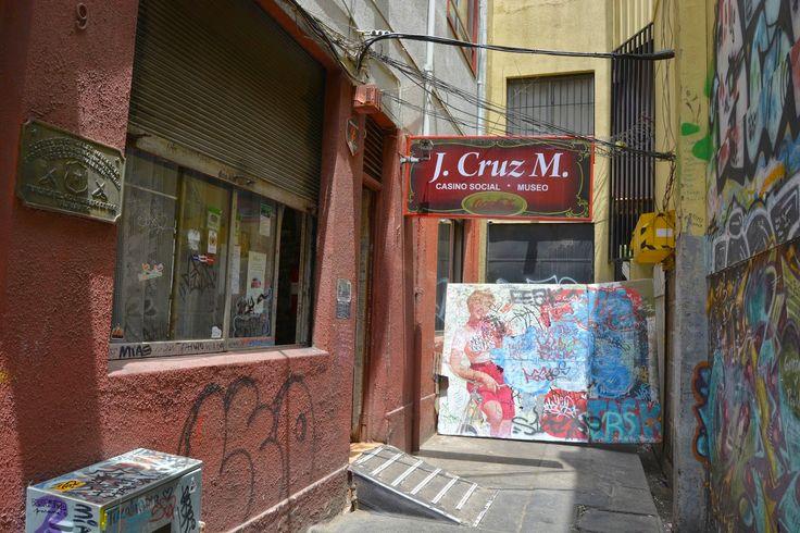 J. Cruz, Valparaiso