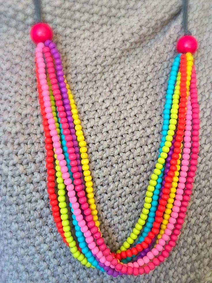 Een persoonlijke favoriet uit mijn Etsy shop https://www.etsy.com/nl/listing/507054118/necklace-wood-rainbow-gipsy-ibiza-happy