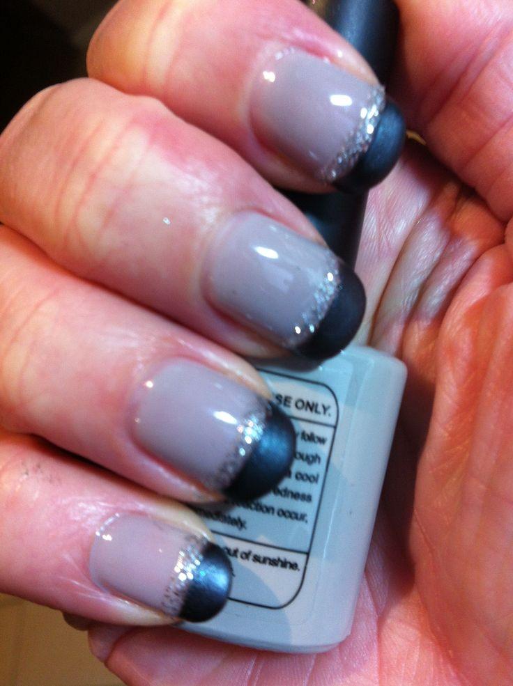 Nails  - Shellac Cityscape. Black mica powder and glitter striper