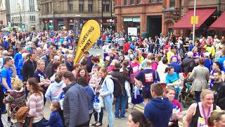 Thousands of people lined up on Sunday, with some of the world's best-known distance runners for the #GreatManchesterRun. An estimated 40,000 took part in the 10km event, raising money for various #charities.   Legendary runner Haile Gebrselassie took part in the men's elite #race, with Stephen Sambu taking the win. Betsy Saina won the elite #women's race. The race, which is #Europe's biggest 10km event, started as a legacy event after the 2002 #Commonwealth Games.   #Celebrity runners…
