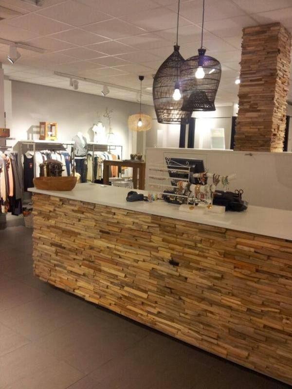 Toonbank opnieuw bekleed met hout! Nijland winkelinrichting