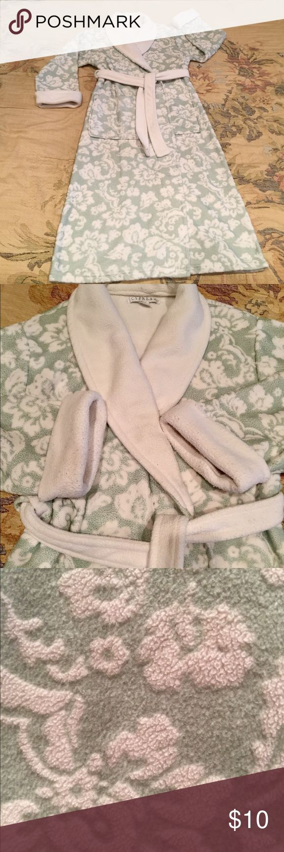 Cypress Bathrobe I received a new robe for Christmas so this one has to go. Lots of love left in this robe. Soft, comfy and warm. Some piling mostly around cuffs of sleeves. I'm 5'7 and it hits me mid calf and just above my wrists. Bundle for additional discount. Cypress Intimates & Sleepwear Robes