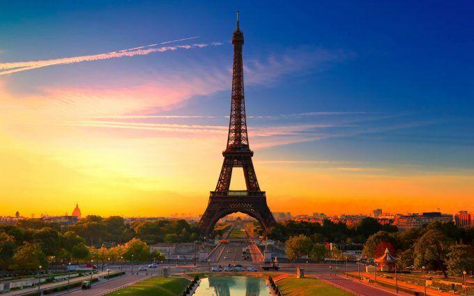 Eiffel Tower 4K