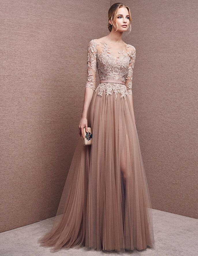 Dress with sweetheart neckline, in mikado