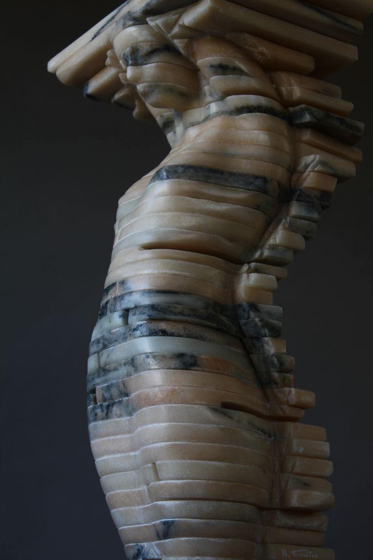 Escultura de Rogério Timóteo | Impulso Vertical