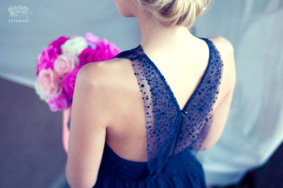 Hoi! Ik heb een geweldige listing gevonden op Etsy https://www.etsy.com/nl/listing/204715488/blue-polka-dot-tulle-evening-dress