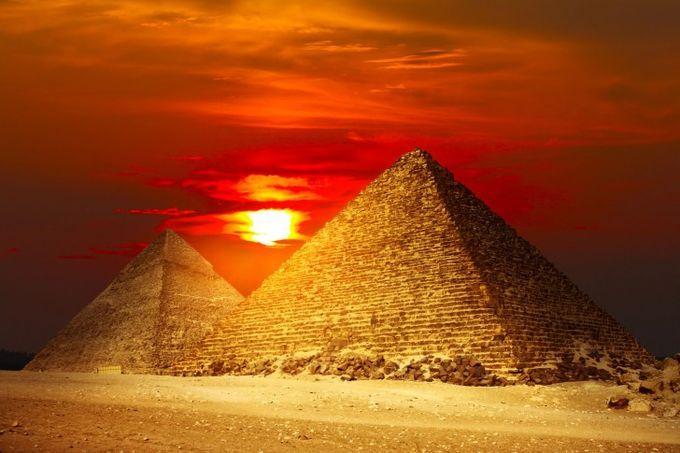 ギザのピラミッド -エジプトのおすすめスポット