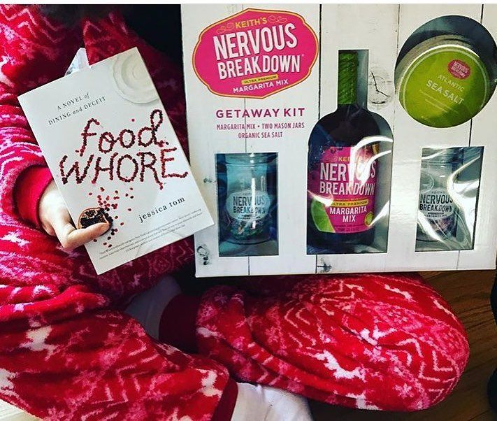 A copy of #foodwhore and a top-shelf margarita kit... someone(s) loves you @hamptonsfoodwave  thank you for the cozy pic! //  @hamptonsfoodwave