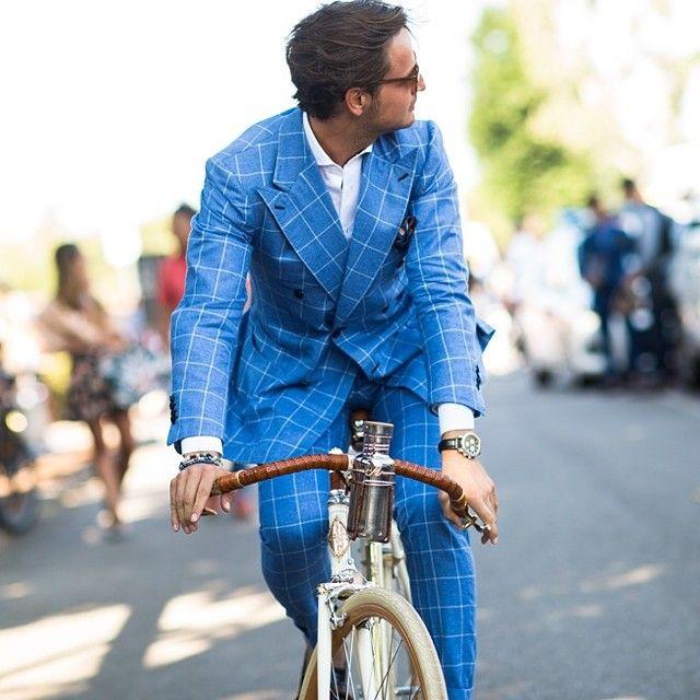 ダブルスーツの着こなしブルーのle21eme