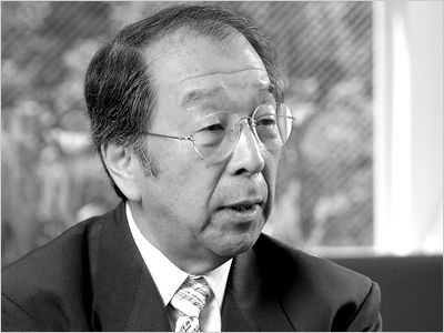 Kiyonori Kikutake (菊竹 清訓 Kikutake Kiyonori?) (April 1, 1928 – December 26, 2011)