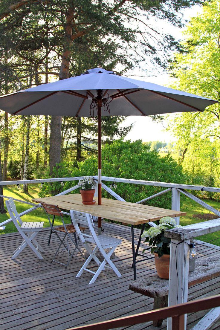 Puutarha, terassi, puutarhakalusteet, terassikalusteet, lankkupöytä, pukkijalat... Garden, terreace, garden furniture, terrace furniture, wooden table - diy...