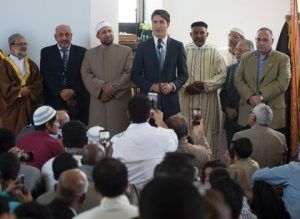 Justin Trudeau Welcomes `Eid in Ottawa Mosque