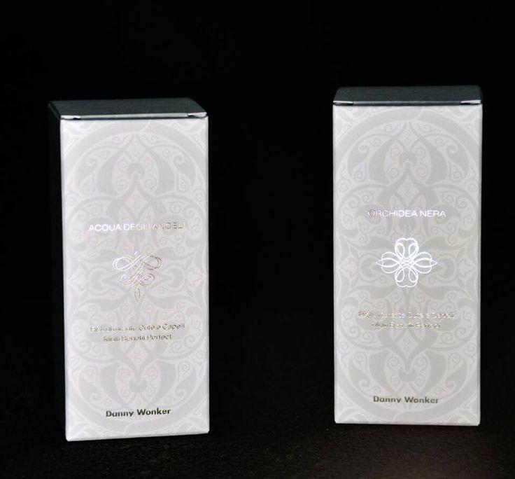 Packaging raffinato ed elegante che racchiude un prodotto STRABILIANTE. Orchidea Nera Acqua degli Angeli