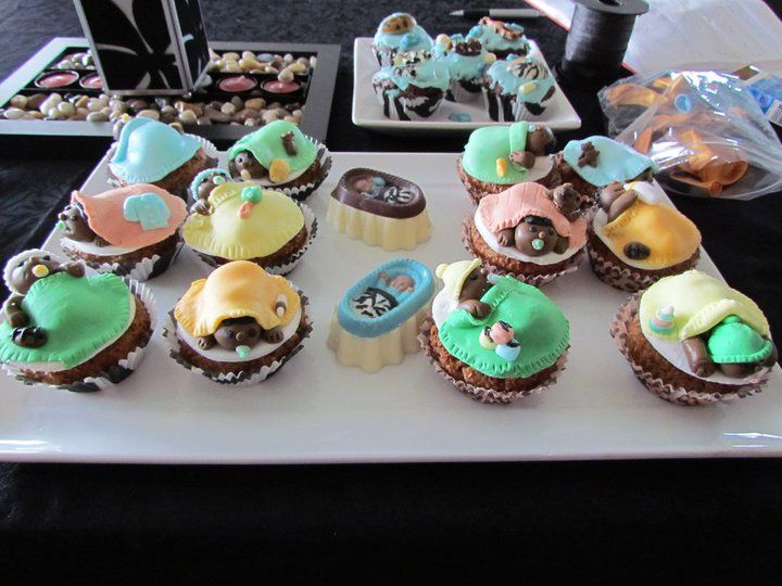 baby shower cupcakes, africa