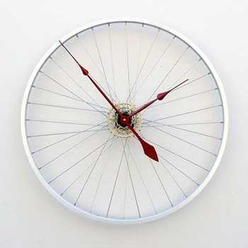 20 Ideas DIY para crear relojes de pared con objetos reciclados. | Mil Ideas de Decoración