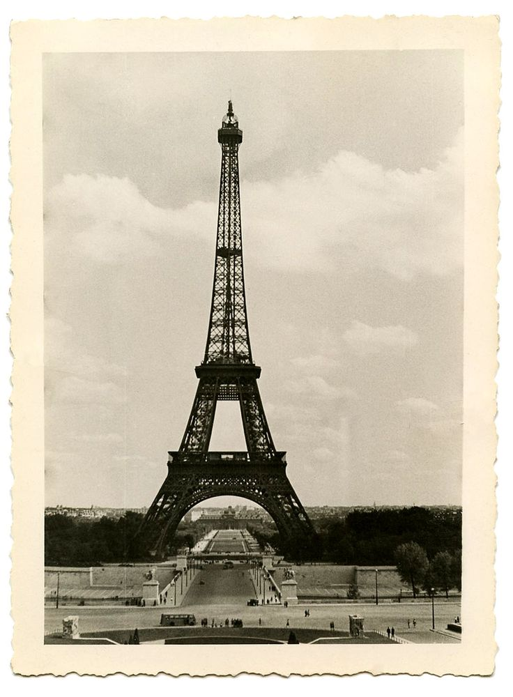 Vintage Image - Eiffel Tower - Old Photo - The Graphics Fairy