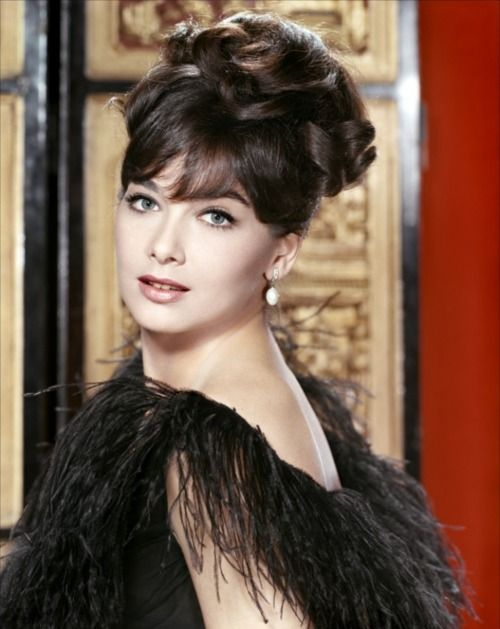 """Suzanne Pleshette- RIP Susanne. I loved watching her on """"The Bob Newhart Show""""."""