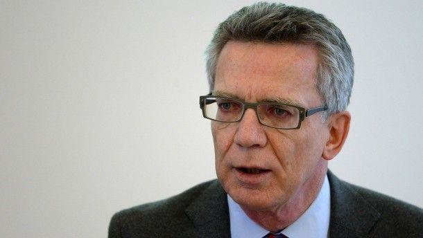 Bundesinnenminister Thomas de Maizière http://www.faz.net/aktuell/politik/inland/thomas-de-maiziere-warnt-im-interview-vor-schweigespirale-14004064.html