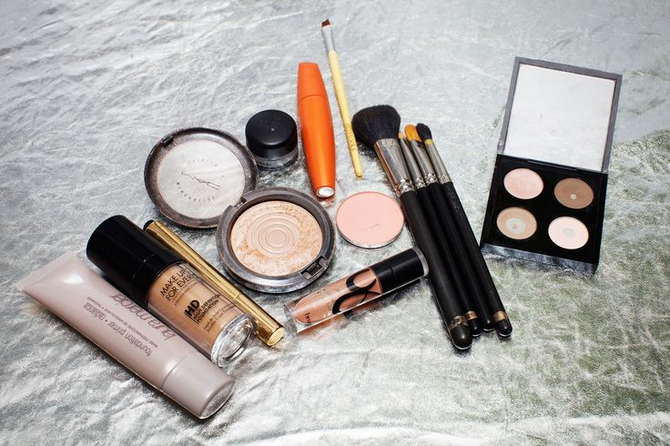 3 Types Of Holiday Parties & The Makeup To Match #refinery29  http://www.refinery29.com/how-to-holiday-makeup#slide-2  The Products: Face: Laura Mercier Radiance Primer, Makeup Forever HD Foundation Cheeks: <a href...
