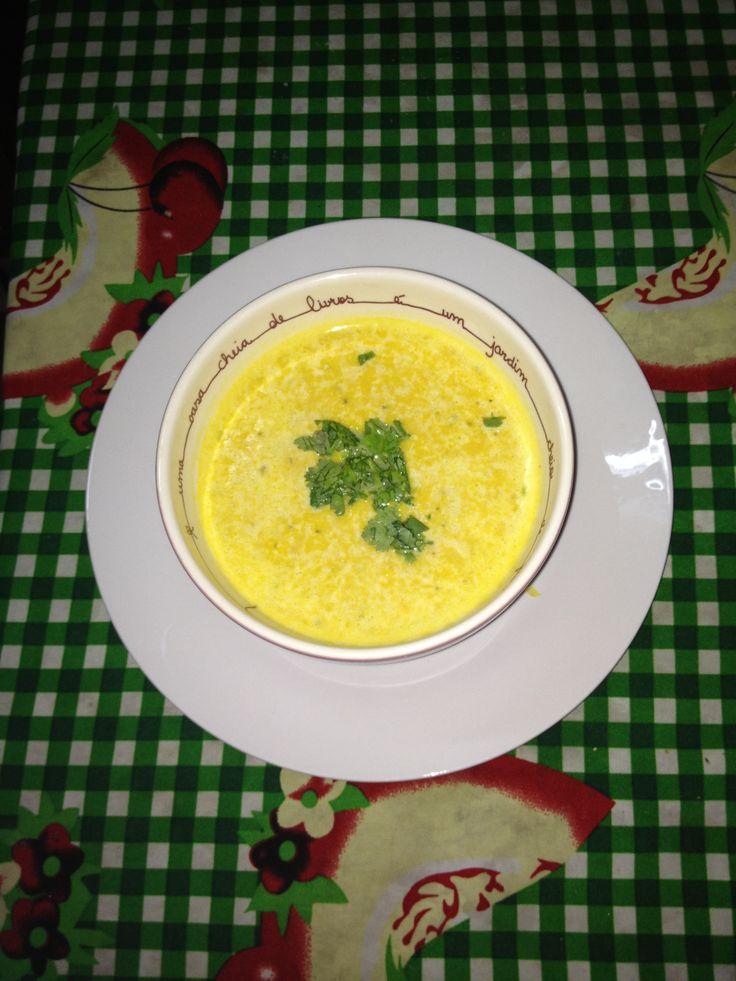 Sopa de zapallos, choclo y queso.