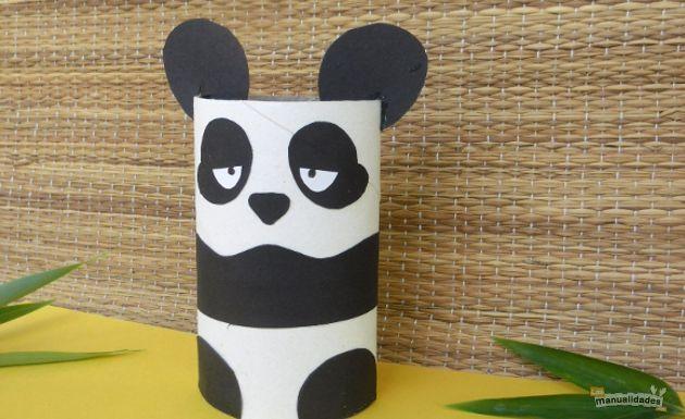 Cómo hacer un oso panda con un rollo de papel