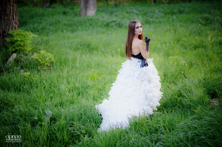Makeup & Dress by Andreea Matran | Make-up Artist