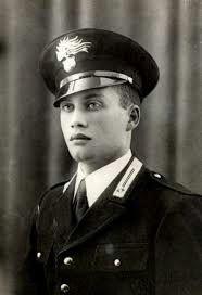 (23 Settembre 1943 il vice brigadiere dei Carabinieri, Salvo D'Acquisto si sacrifica per salvare la vita di 22 persone innocenti. Ennesima vittima della follia nazi-fascista, ennesimo eroe. #TuscanyAgriturismoGiratola