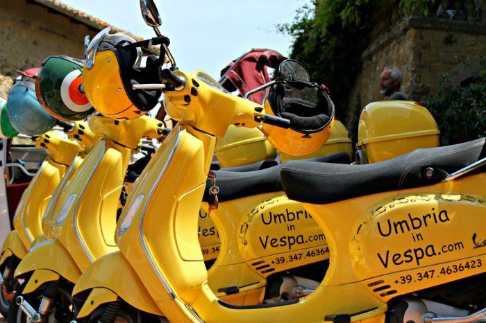 Umbria in Vespa #AlTrasimeno per un turismo intermodale e più sostenibile. Foti di @farahmesiti