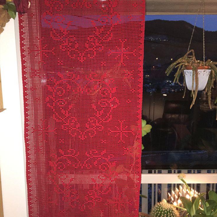 Mine heklede julegardiner. Made by me.