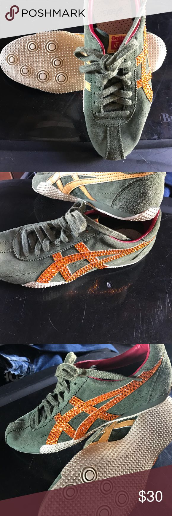 Nice snickers Nice snickers green & orange Oasis Shoes Athletic Shoes