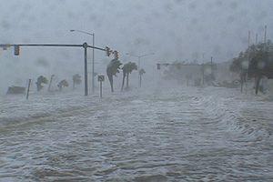 Hurricane Katrina Video Stock - Hurricane Katrina Storm Surge Video And Photos