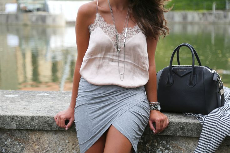 outfit-pastel-grey-nude