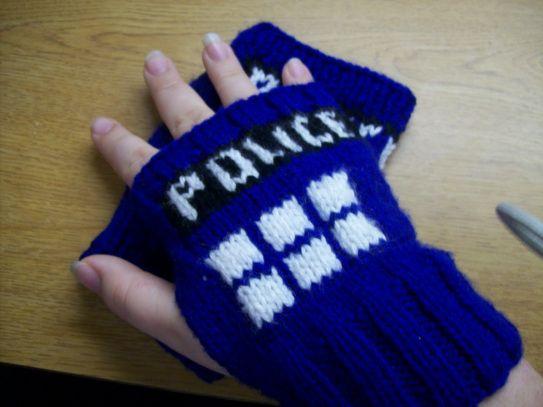TARDIS Wristwarmers