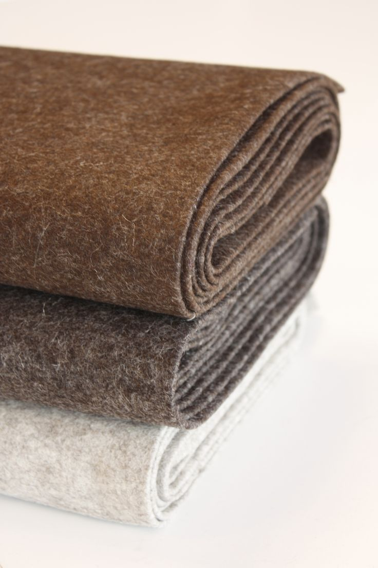 Undyed HOLLANDFELT. These colours are created by mixing the wool of different coloured sheep.
