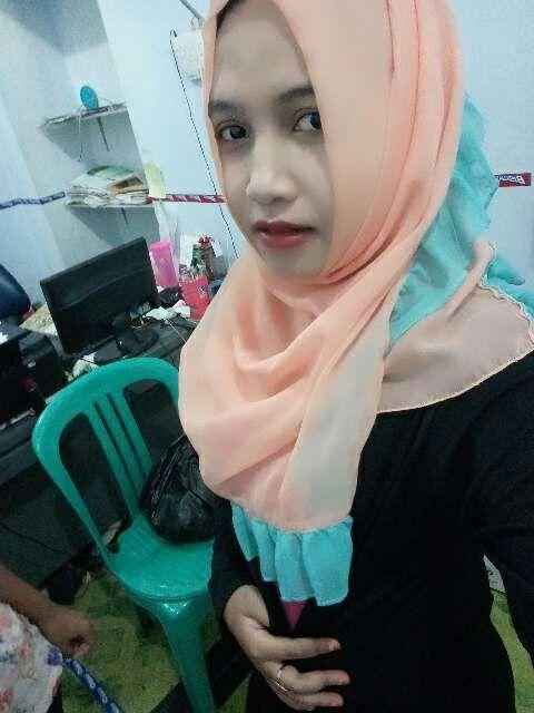 simple hijab .  Gak perlu ribet ,, 👸👸 G ada 1 menit jadi , dan pasti tetap modis 👯👯
