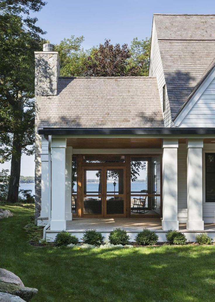 Best 25 lake cottage decorating ideas on pinterest for House plans with columns and porches