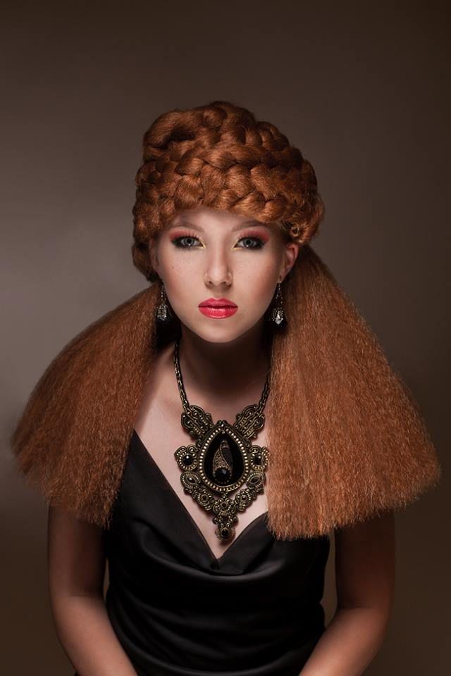 fotograf: https://www.facebook.com/lowickaphotography?fref=ts makijaż: Joanna Bachtojarow fryzury: https://www.facebook.com/DawidMazerski?fref=ts stylizacje: https://www.facebook.com/urszulaacrosstherainbow?fref=ts modelka: Julia Dadan biżuteria : Marta Zaremba
