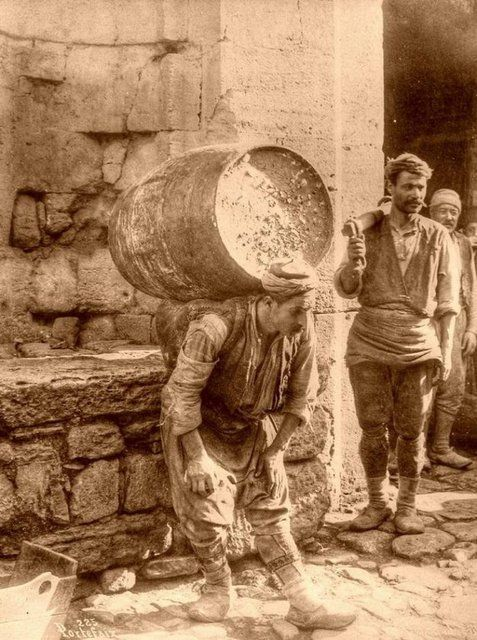 Ottoman / Osmanli / istanbul / 1890.. hamallar