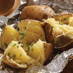 Печеный картофель с кусочками курицы и сыра | Пикник-шашлык-барбекю