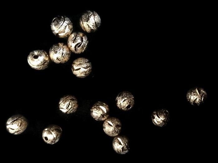 BDCON8 Bola Diamantada en chapa de oro 14k, diámetro 8mm, ideal para bisuteria fina, precio x gramo $4 pesos, precio medio mayoreo (100 gramos)$3.80, precio mayoreo (250 gramos)$3.70, precio VIP(500 gramos) $3.60