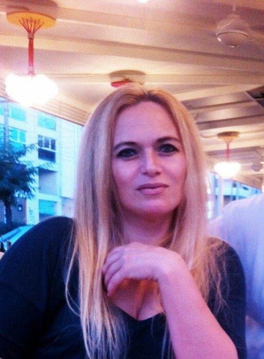 H Alla γεννήθηκε στις 22 Μαΐου 1975 και κατάγεται από την Πρώην Σοβιετική Ένωση. Είναι παντρεμένη με δυο παιδιά. Τα τελευταία 22 χρόνια μένει στην Αθήνα. Ξεκίνησε από μικρή ηλικία να ασχολείται με το πλέξιμο μιας και στην χώρα της οι καιρικές συνθήκες την ανάγκαζαν να φοράει πλεκτά αξεσουάρ… Αγαπά πολύ να δημιουργεί και το … Συνέχεια ανάγνωσης ALLA →