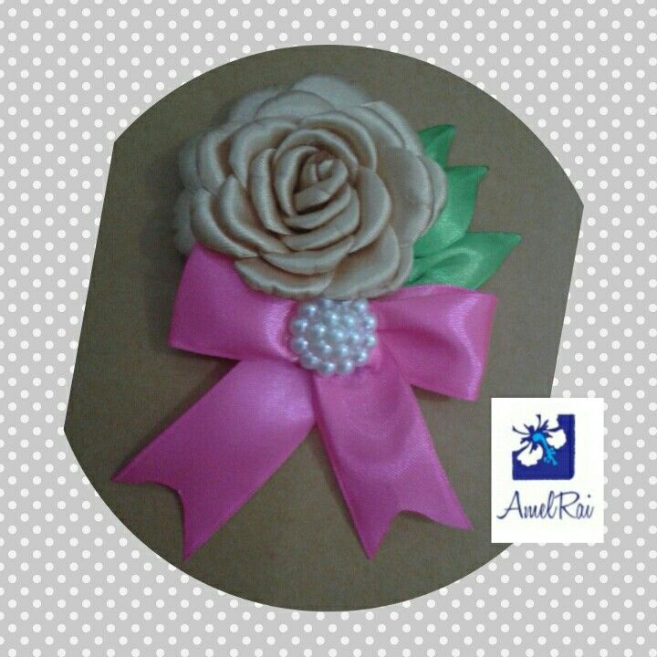brooch gardenia bow